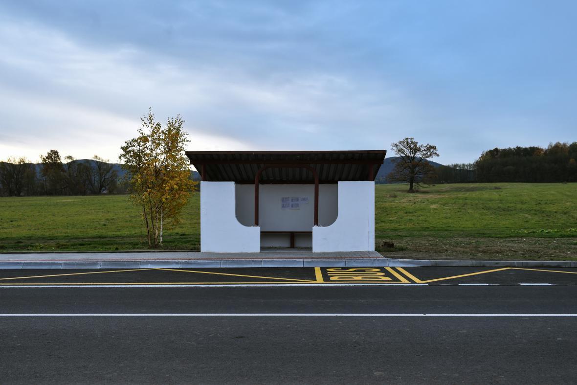 Autobusová zastávka v Raspenavě