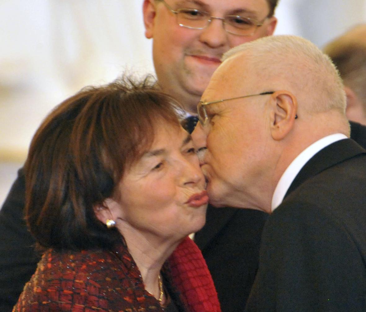 Šéfem protokolu byl Jindřich Forejt po obě prezidentská období Václava Klause