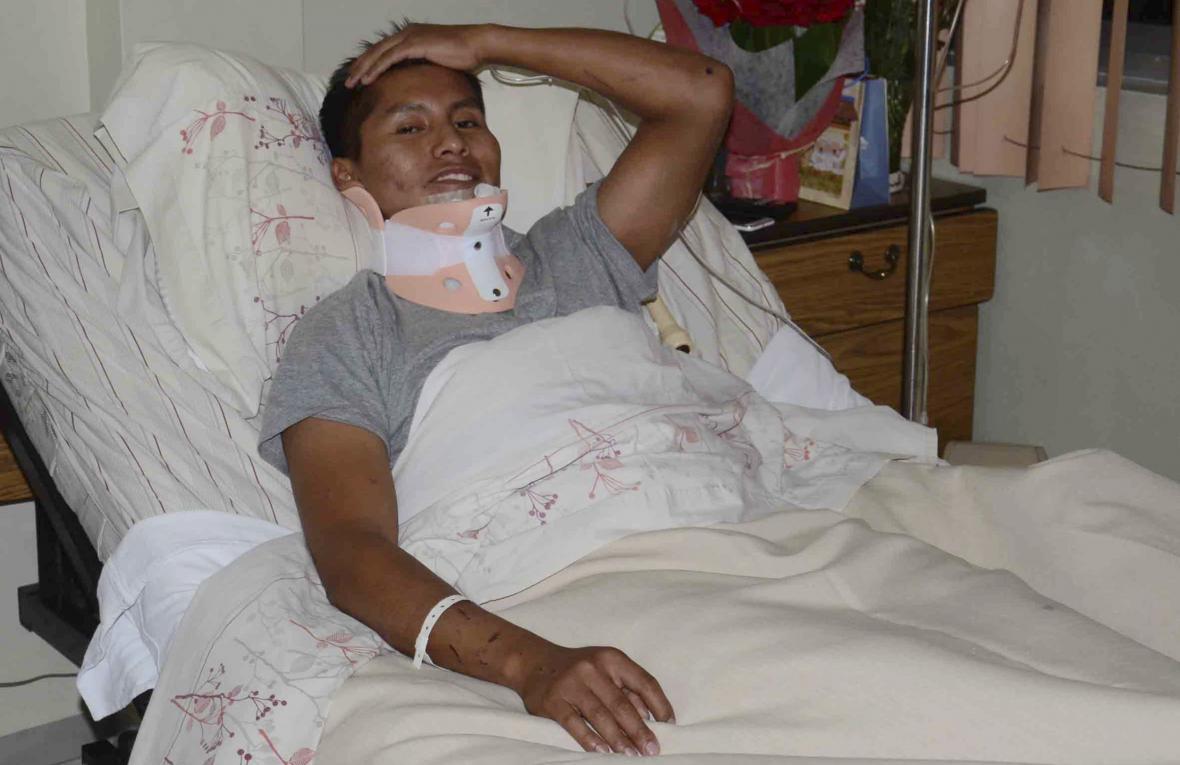 Erwin Tumiri se stále zotavuje ze zranění