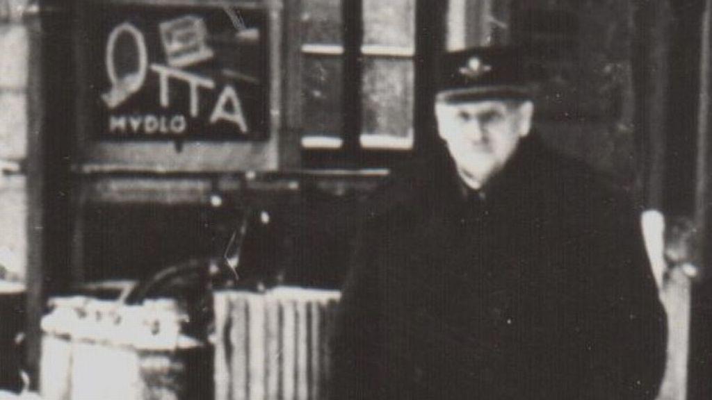 Přednosta stanice Antonín Pavlíček