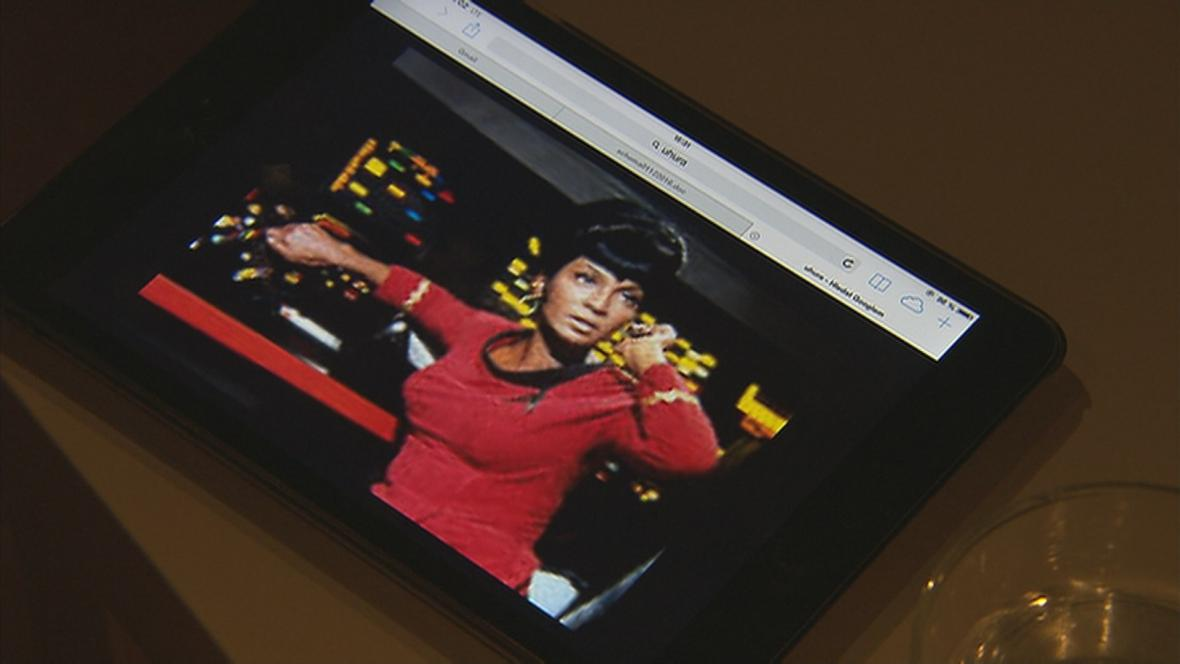 Nichelle Nichols jako Uhura
