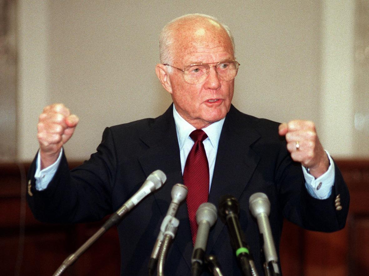 John Glenn jako senátor v roce 1998