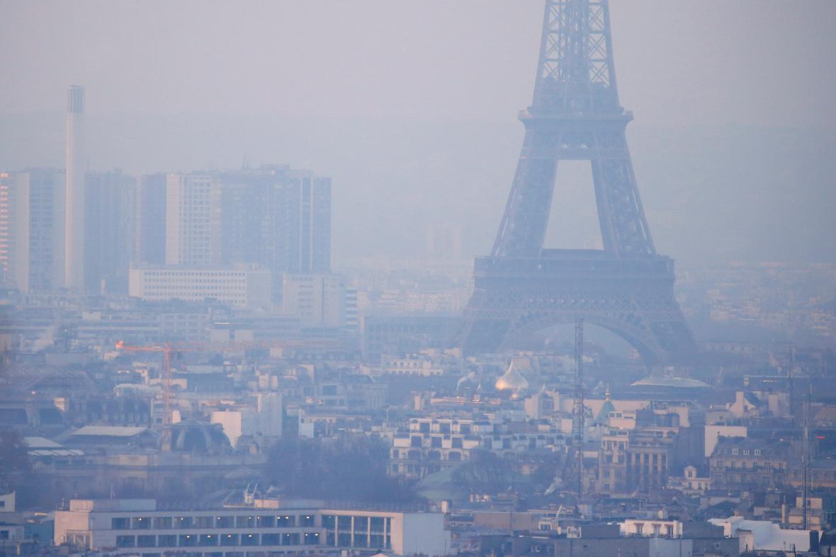 Smog v Paříži
