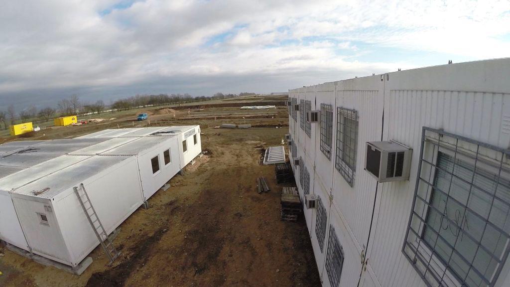 V průmyslové zóně Triangle vyrůstá mobilní město