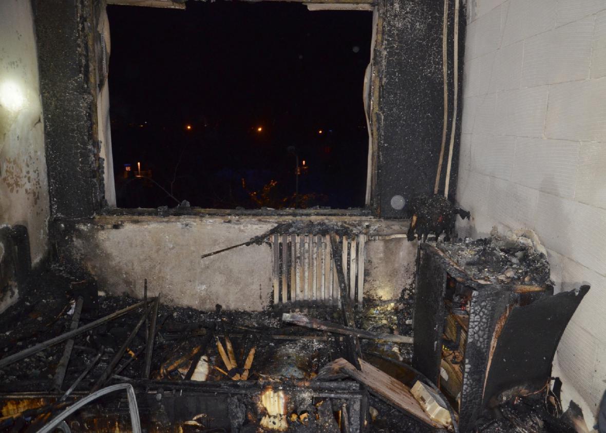 Požár bytu v Kladně kvůli adventní svíčce