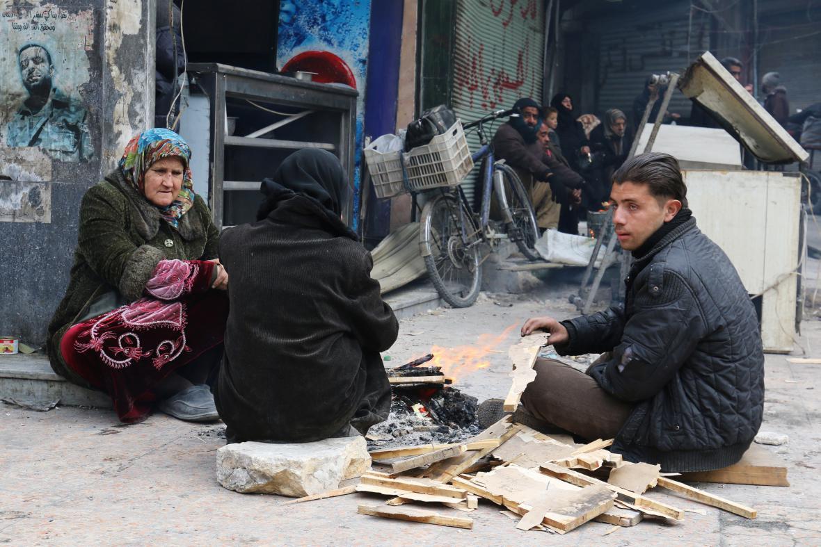 Obyvatelé východního Aleppa