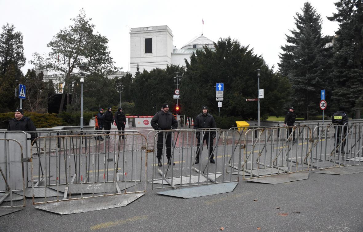 Policie před Sejmem