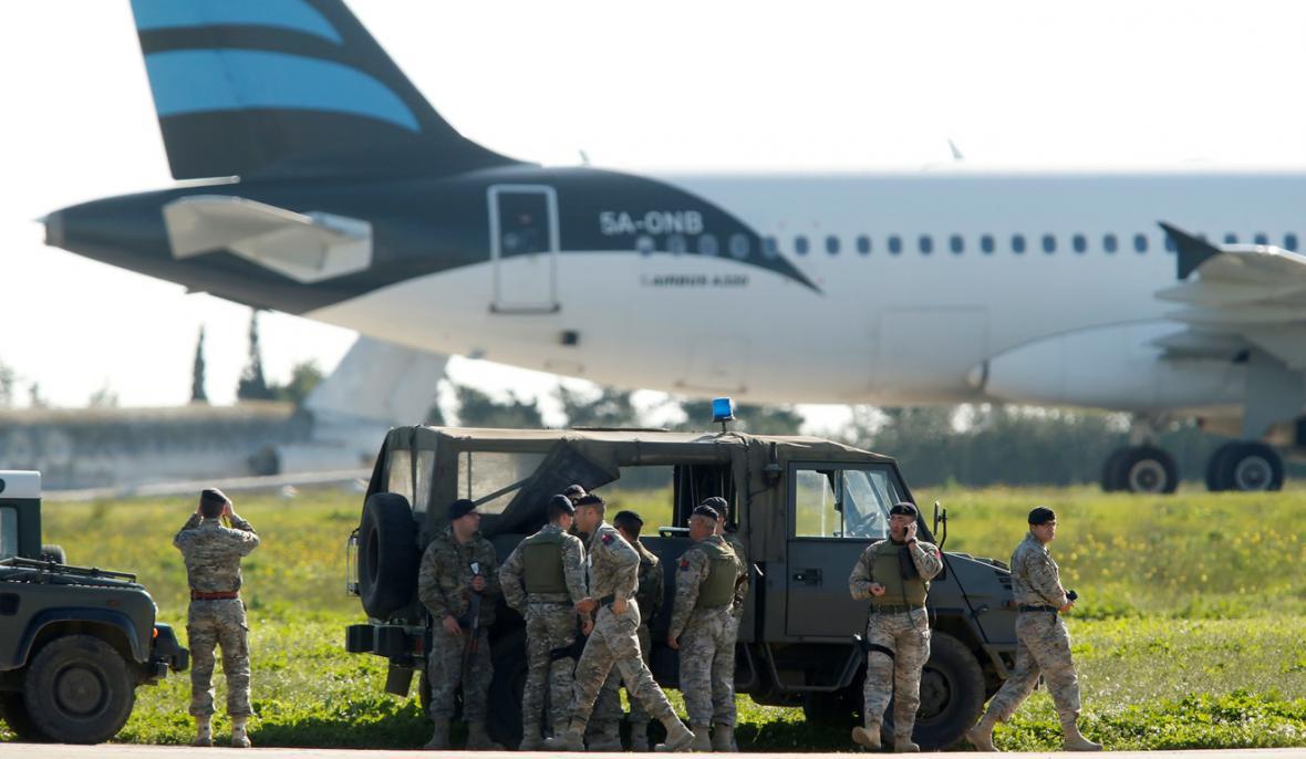 Policejní zásah na maltském mezinárodním letišti