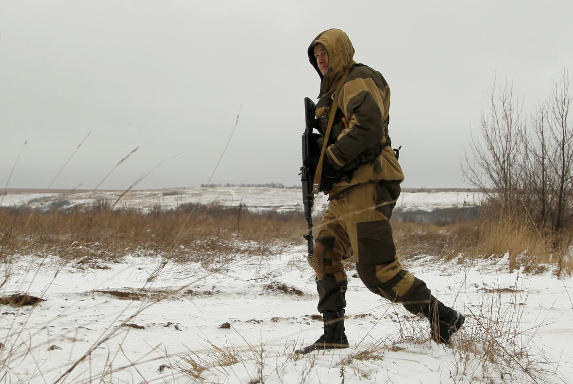 Proruský povstalec na Ukrajině