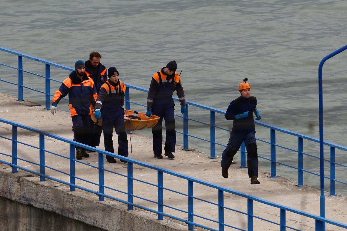 Pátrání po obětech havárie ruského letounu u Soči