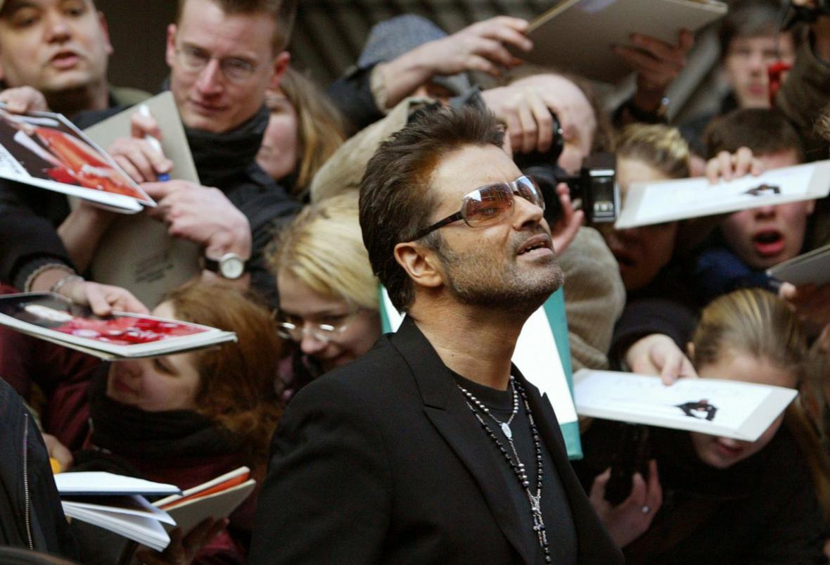 """Po tiskové konferenci k filmu """"George Michael – A Different Story"""" v Berlíně v roce 2005"""