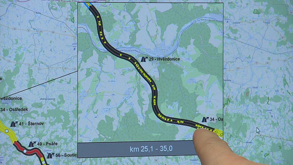 Na dálnici D1 v úseku Hvězdonice–Ostředek se mezi 25. a 35. kilometrem stalo 80 havárií