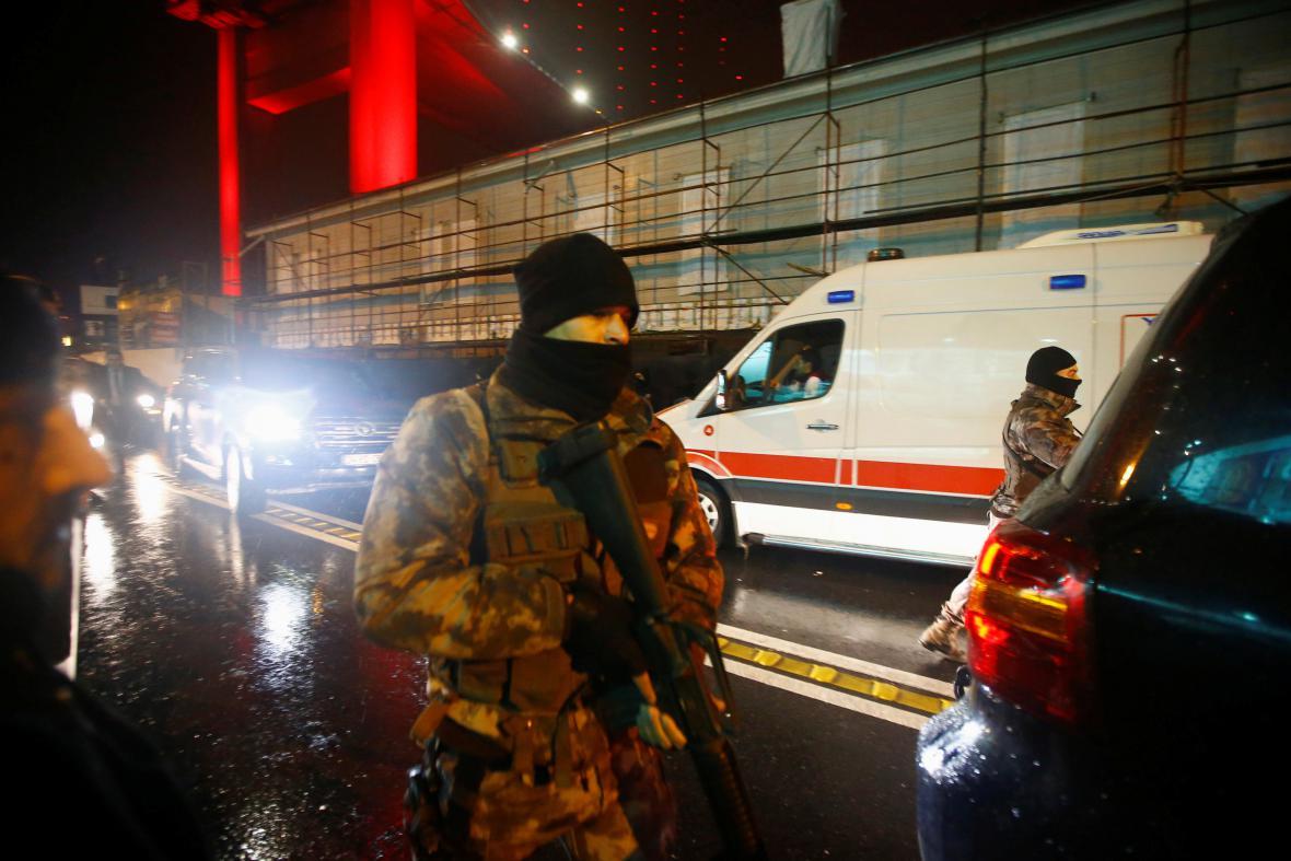 Policie uzavřela okolí istanbulského klubu