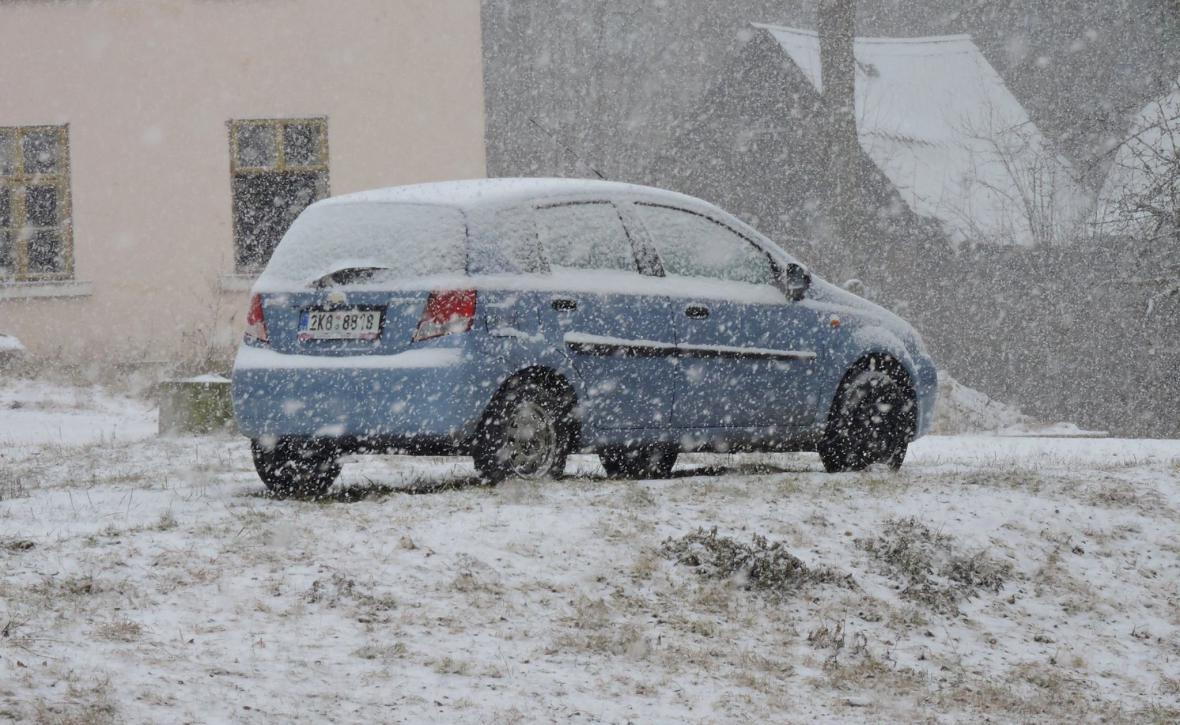 Silné sněžení na západě ČR v Hranici