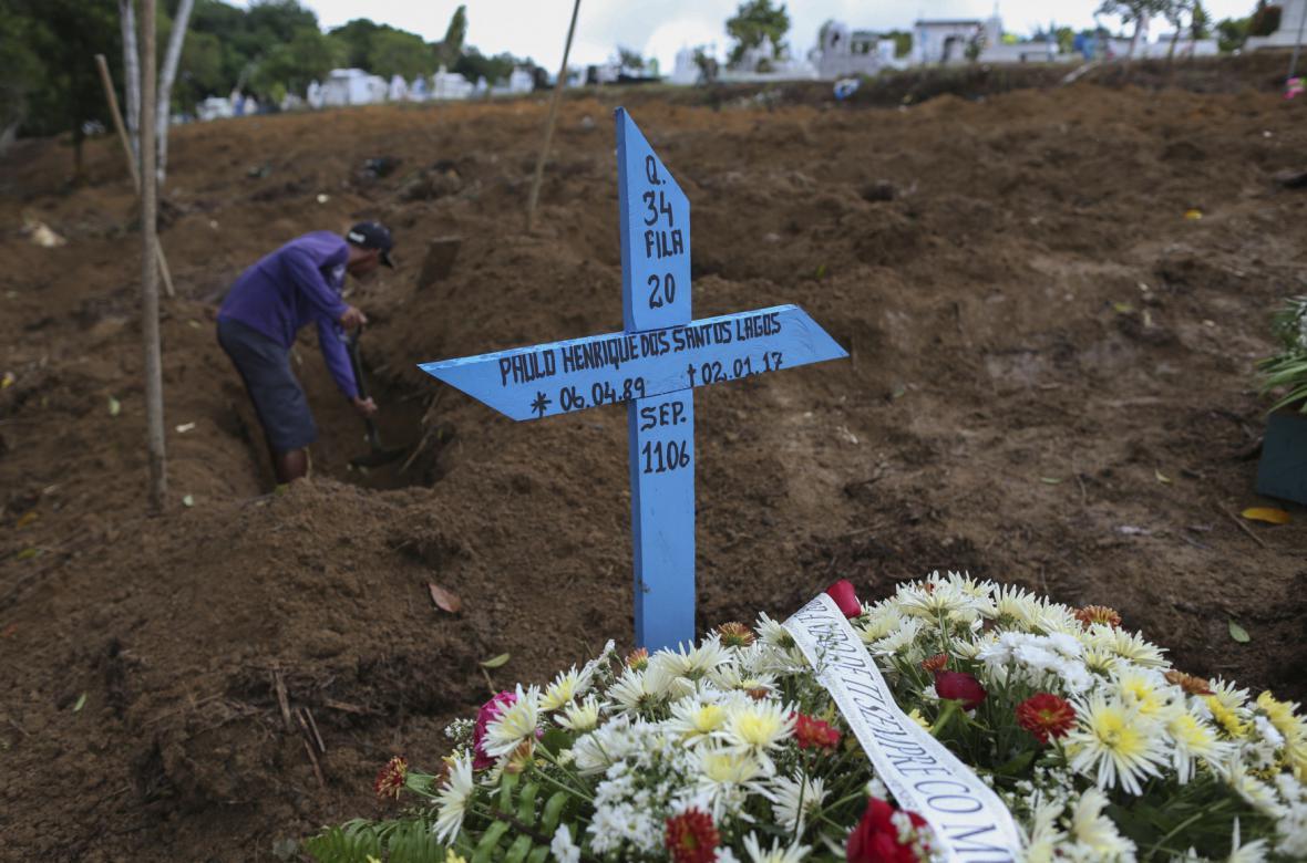 Pohřeb obětí vězeňské vzpoury