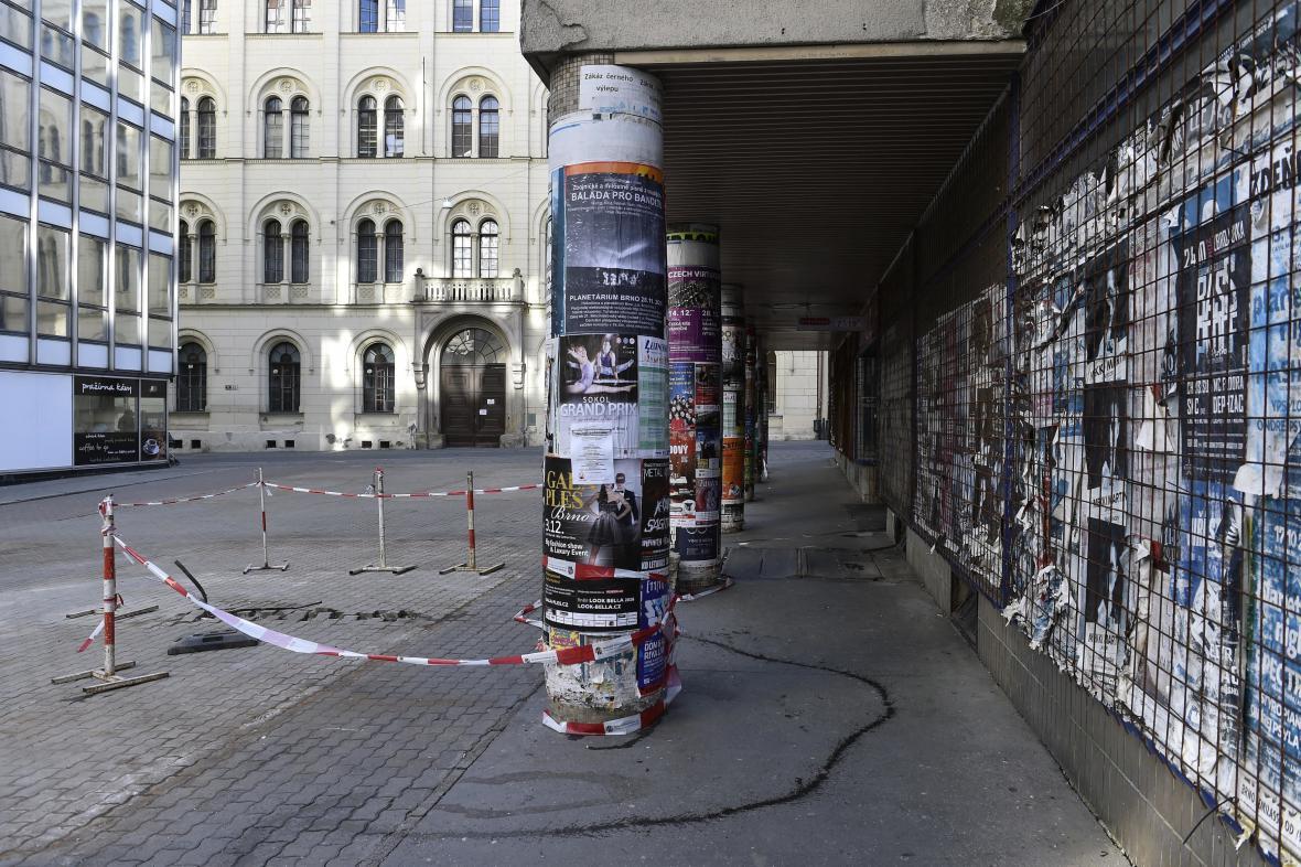 Příliš mnoho reklamy hyzdí i centrum Brna