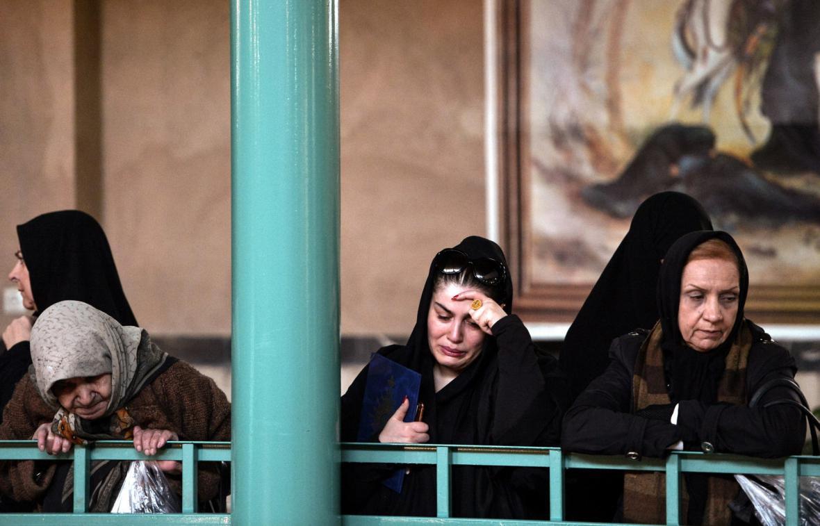 Íránské ženy oplakávají smrt exprezidenta