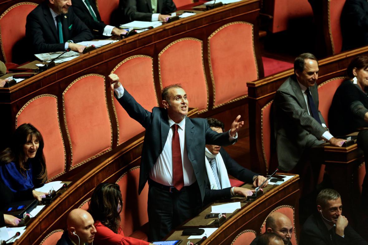 Hnutí pěti hvězd v italském parlamentu