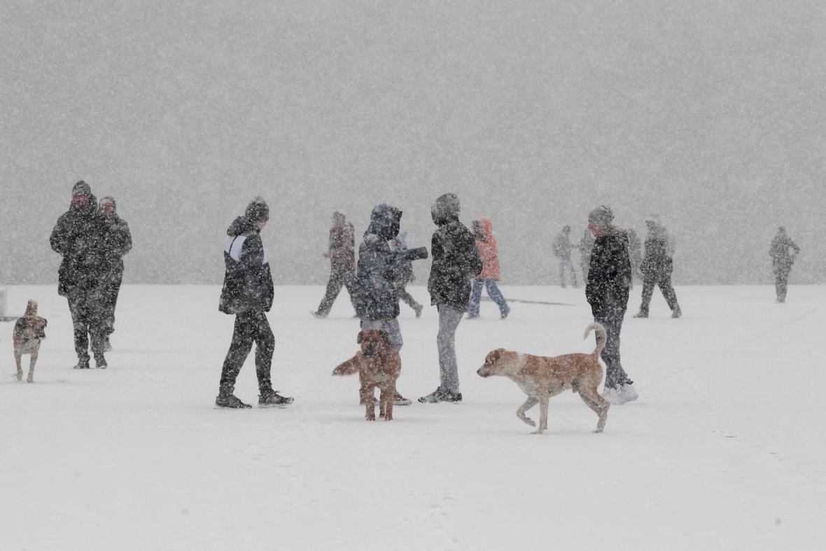 Husté sněžení v řecké Soluni