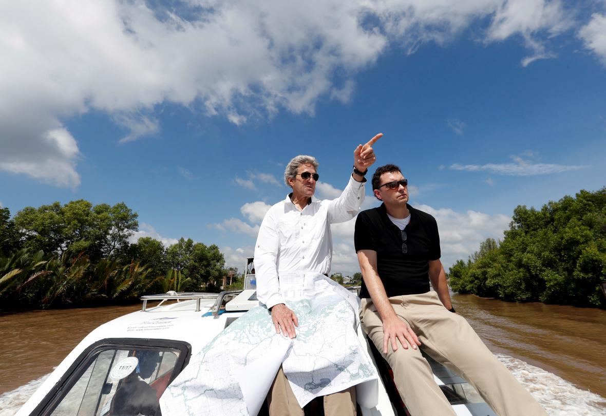 Kerry navštívil místa, kde před lety bojoval
