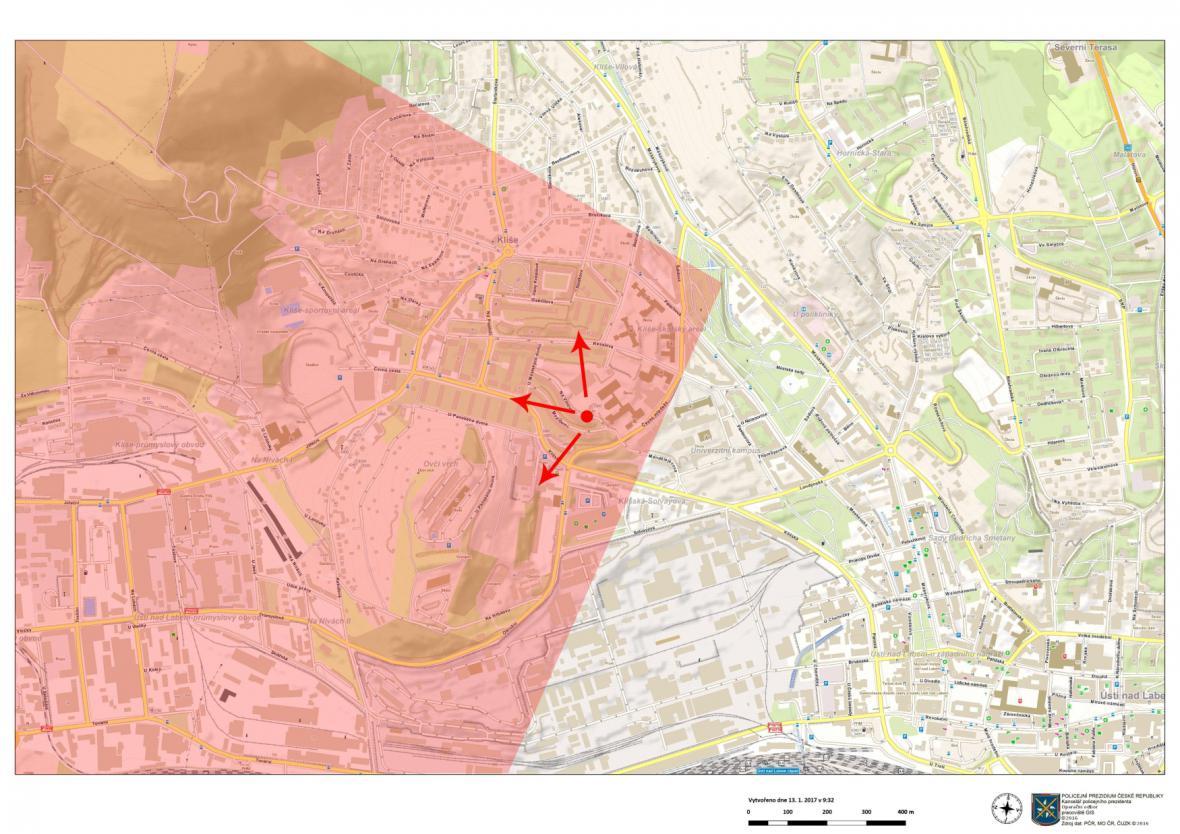 Kriminalisté žádají veřejnost o kamerové záznamy z domů a aut (na červeně vyznačených místech v mapě) od úterý 10. ledna