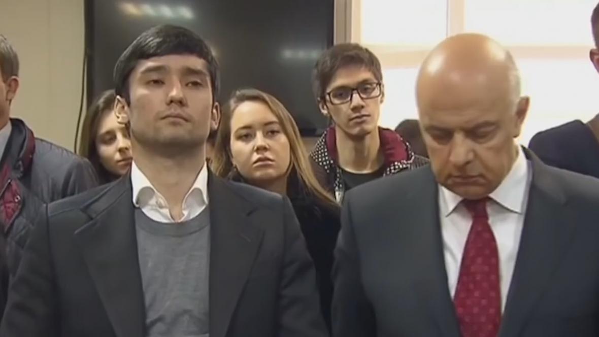Další známé jméno v soudů je Ruslan Šamsuarov, syn viceprezidenta Lukoilu