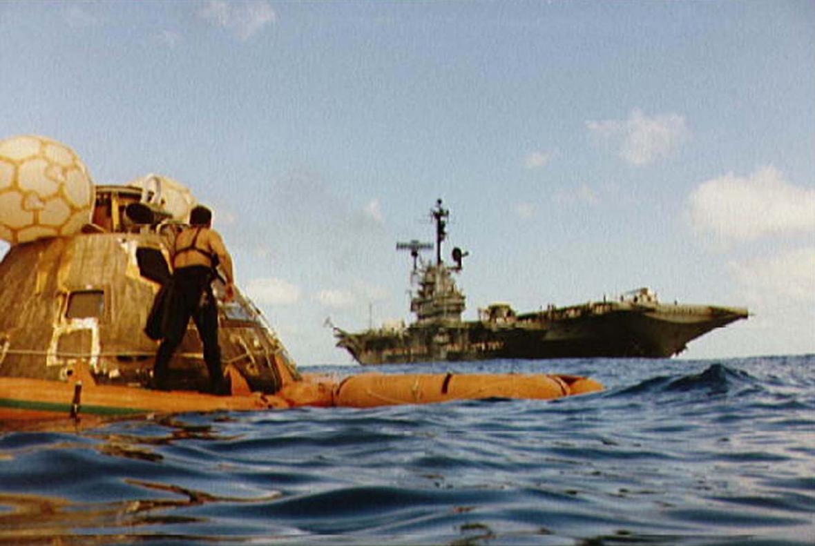 Přistání Apolla 17 v Tichém oceánu