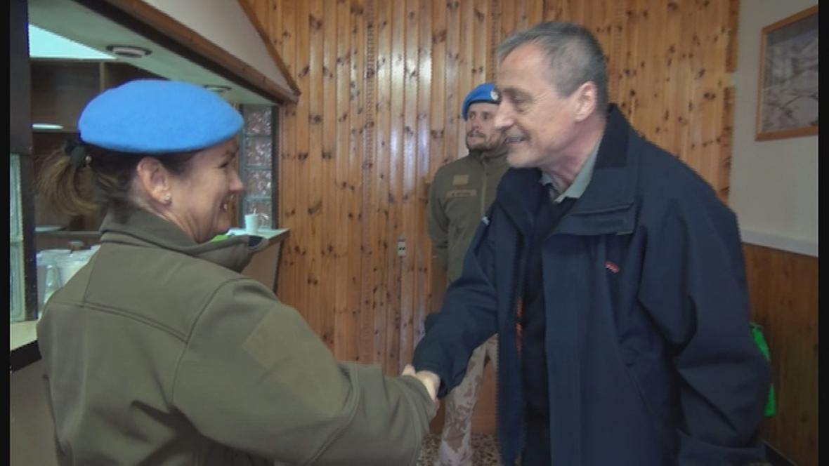 Ministr Stropnický s českými vojáky v Izraeli