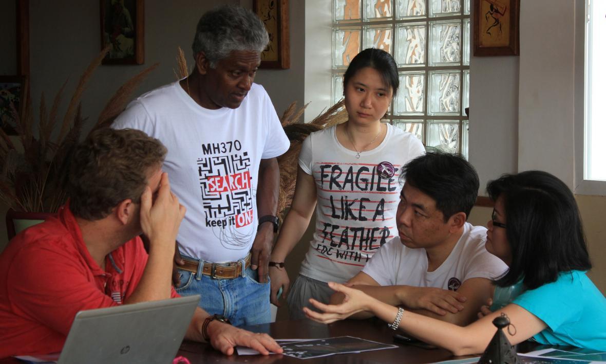 Pozůstalí po obětech letu MH370
