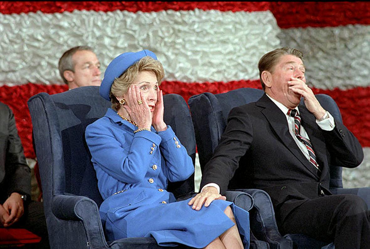 Chvilka překvapení, to když Ronald Reagan nebyl ohlášen při inauguračním koncertě v roce 1985