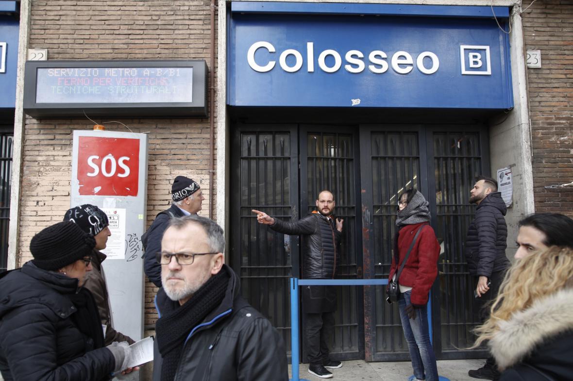 Několik stanic metra zůstalo v Římě preventivně uzavřeno