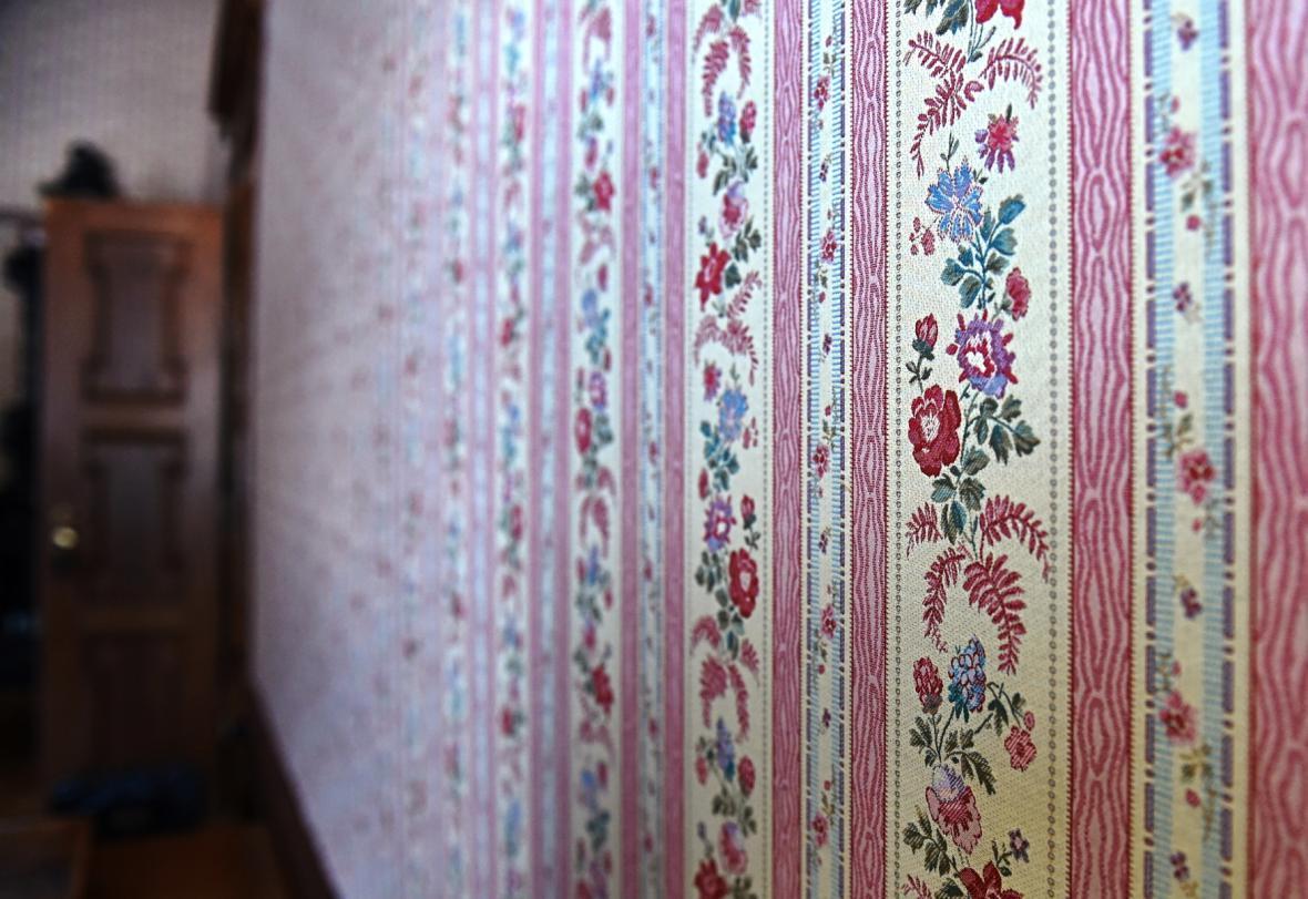 Stěny na zámku Červená Lhota zdobí i repliky původních tapet