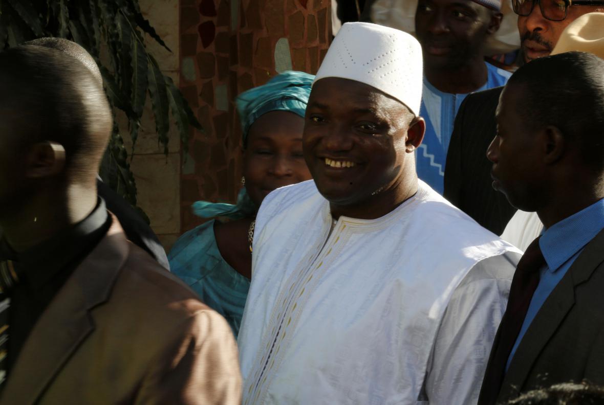 Nově zvolený prezident Gambie Adam Barrow