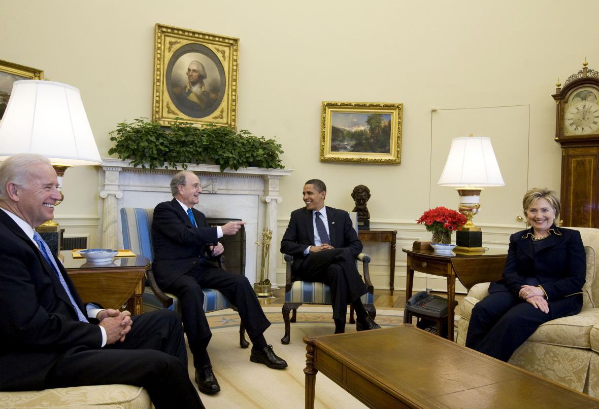 Barack Obama v Oválné pracovně (2009)