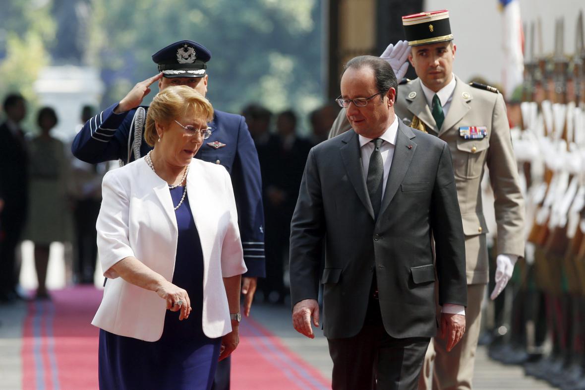 François Hollande s chilskou prezidentkou Michelle Bacheletovou