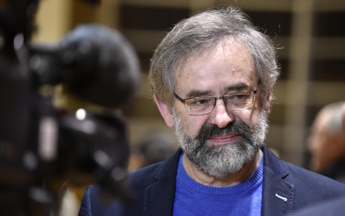 Své odstoupení Pijáček avizoval už po volbách