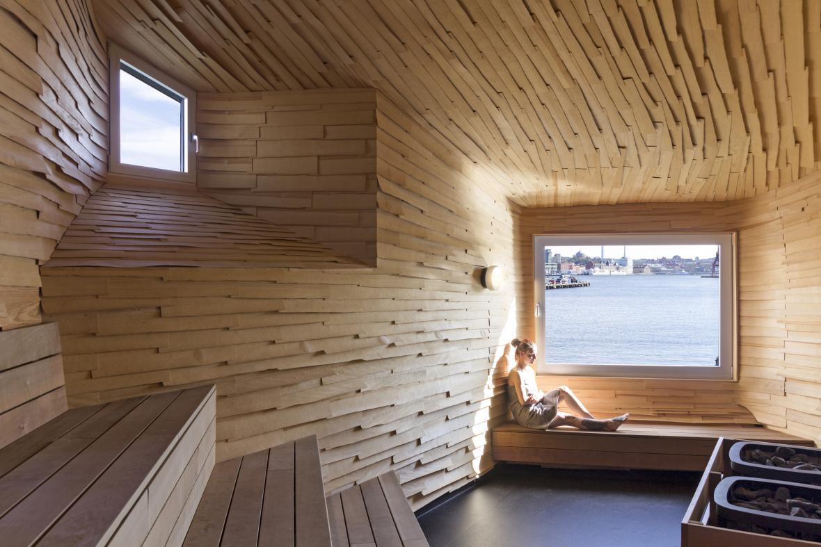 Raumlabor: sauna v bývalém doku v Göteborgu (Švédsko)