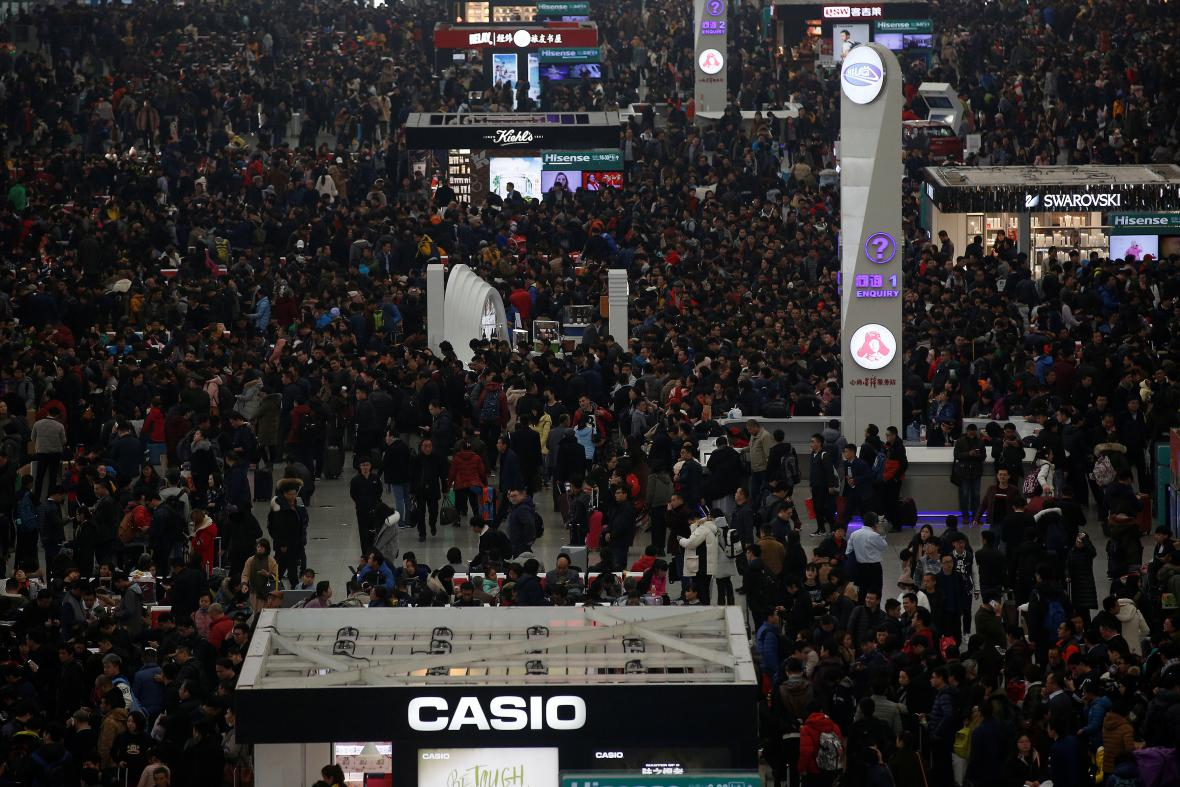 Situace na šanghajském nádraží před oslavami čínského nového roku