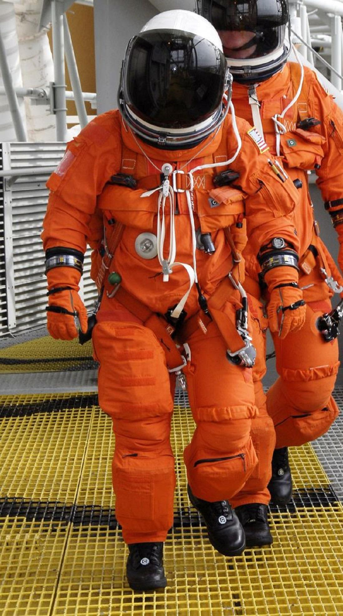 Oranžový skafandr NASA