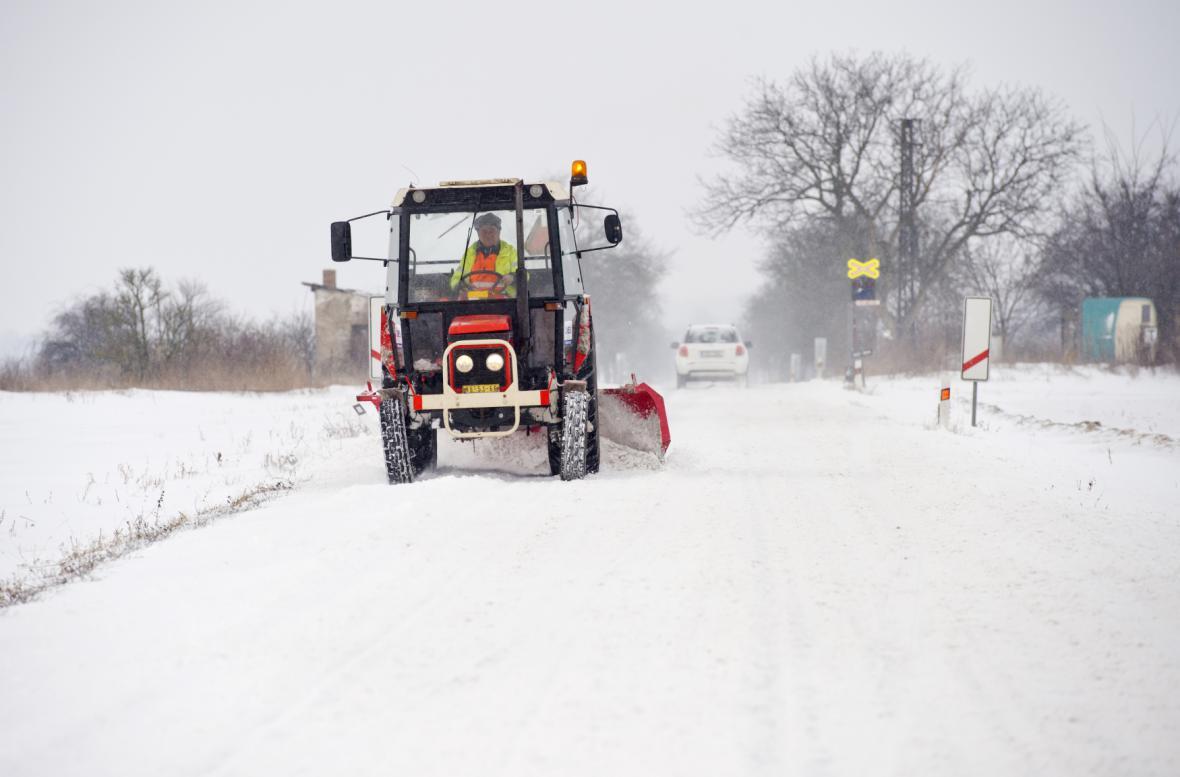 Dopravu ve středních Čechách komplikovalo sněžení