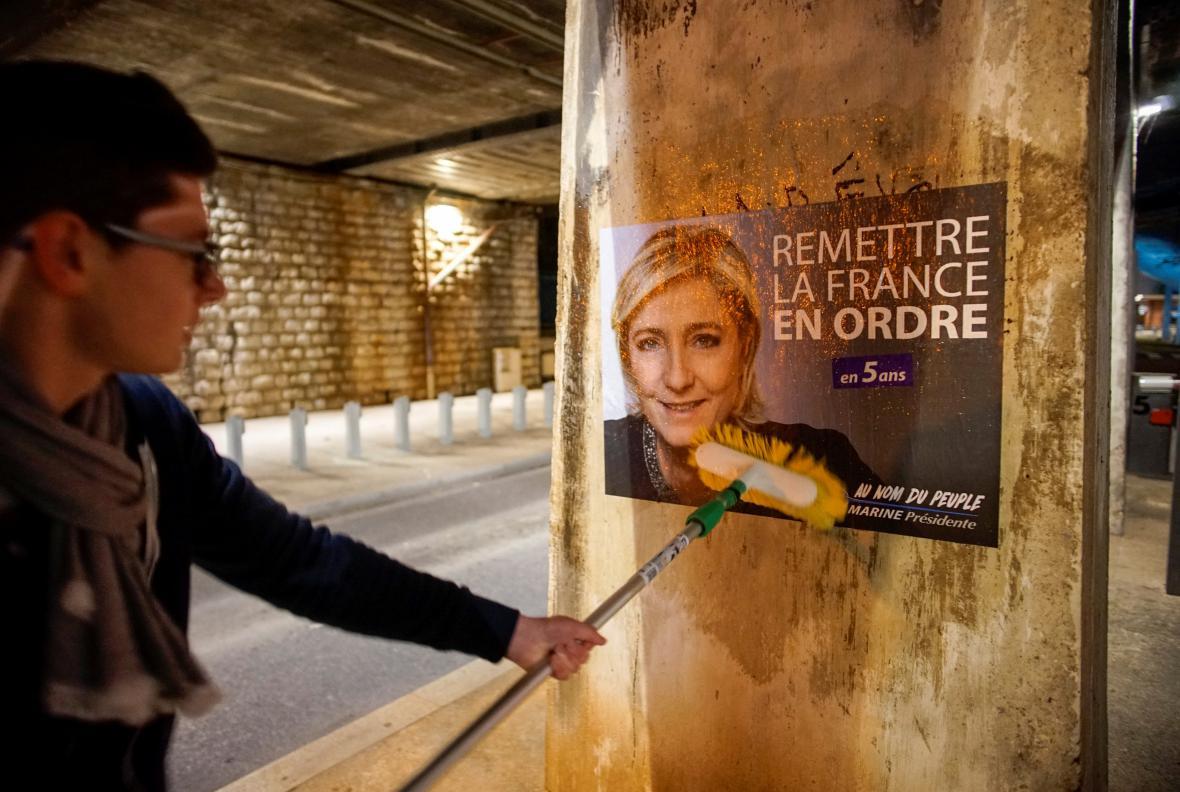 Volební plakát Le Penové