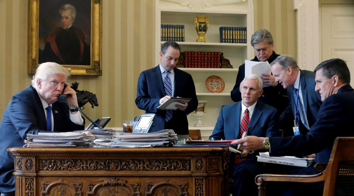 Donald Trump s nejužším týmem spolupracovníků