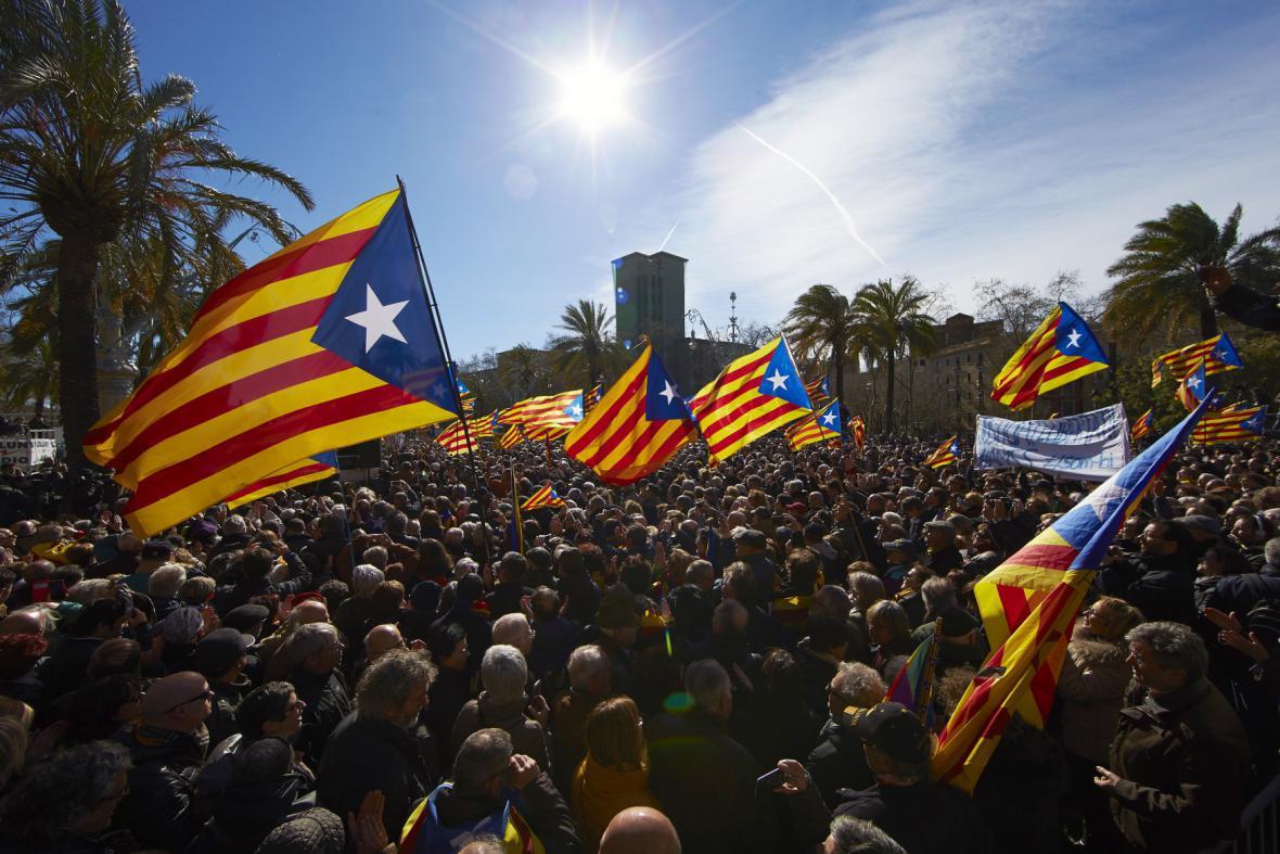Příznivci bývalého premiéra Katalánska Mase