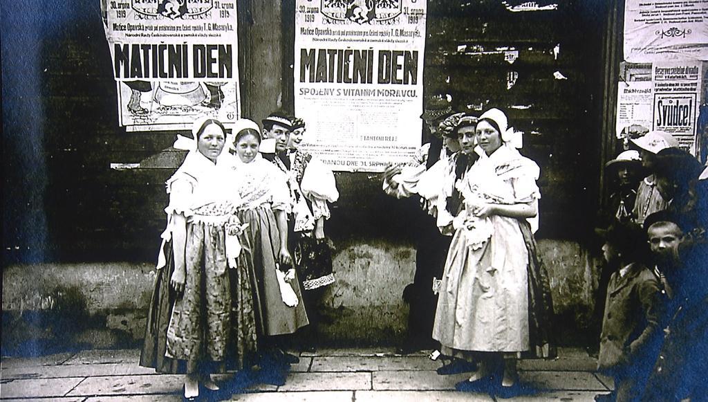 Matiční den (z výstavy ke 140 letům od založení Matice opavské)