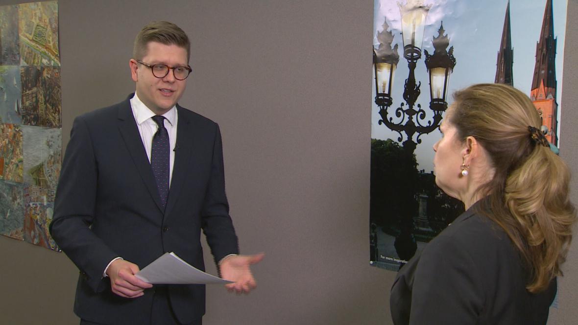 Zpravodaj ČT Bohumil Vostala a europoslankyně Cecilia Wikströmová