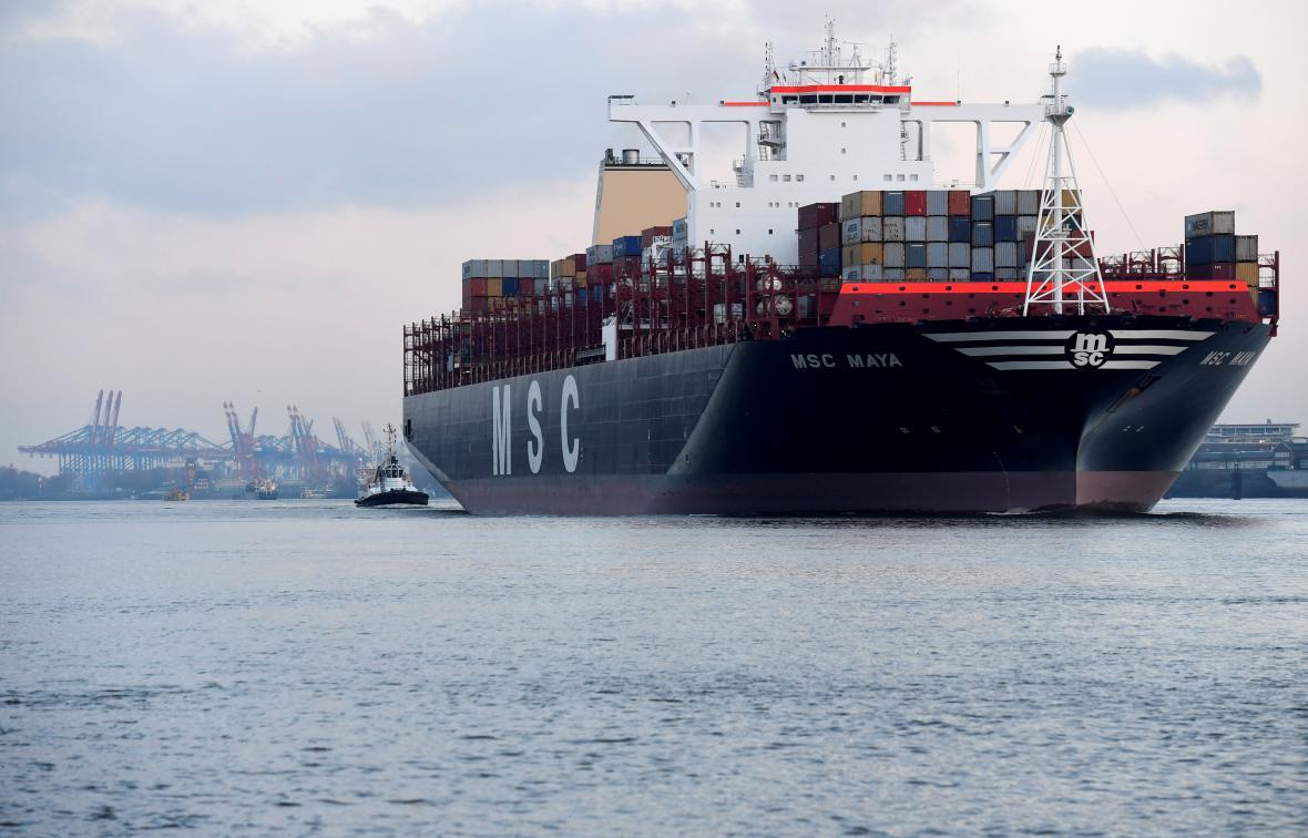 Kontejnerová loď v Hamburku