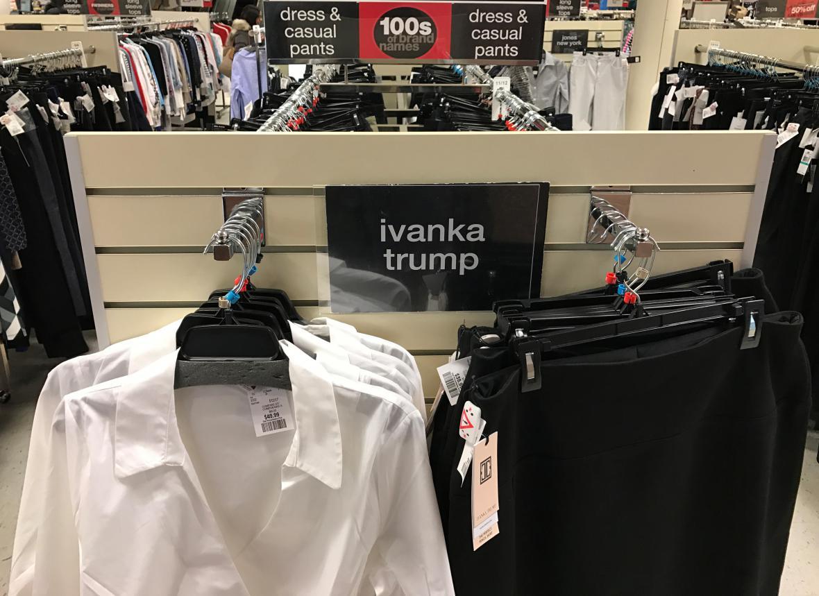 Kolekce Ivanky Trump ve slevě
