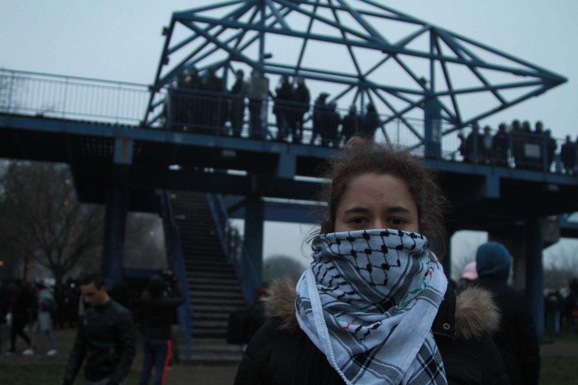 Demonstrace na pařížském předměstí Bobigny