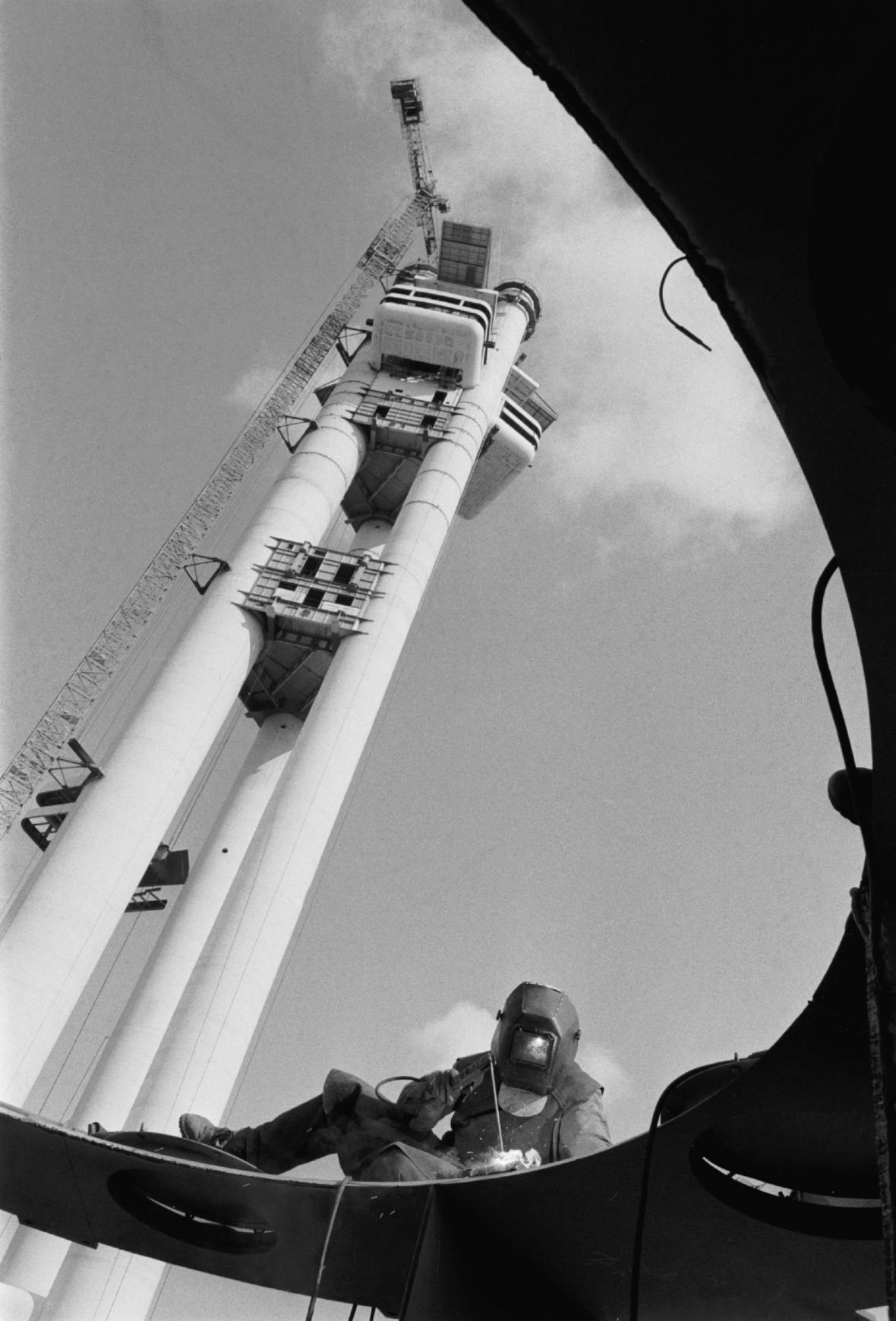 Budování žižkovské věže