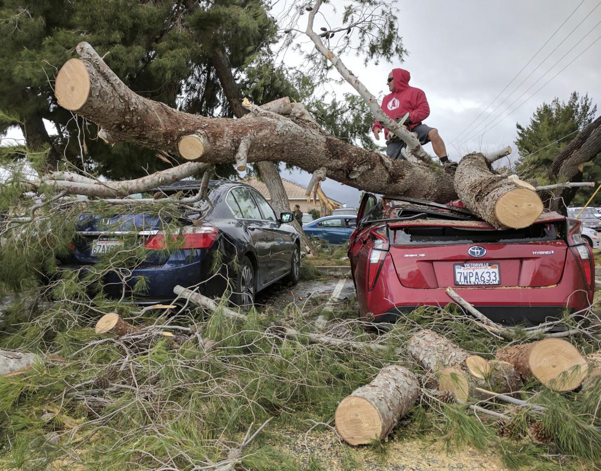 Důsledky bouře v Kalifornii